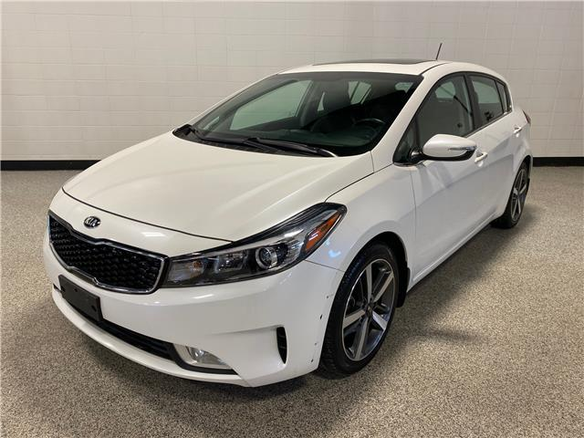 2017 Kia Forte 2.0L EX Luxury (Stk: P12398) in Calgary - Image 1 of 19