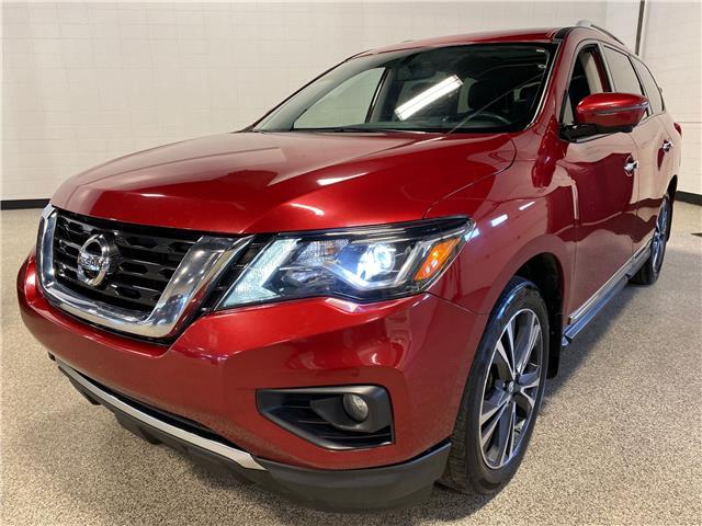 2017 Nissan Pathfinder Platinum (Stk: P12425) in Calgary - Image 1 of 20