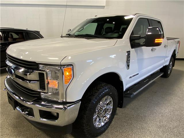 2017 Ford F-350 XLT (Stk: P12471) in Calgary - Image 1 of 21