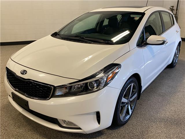 2017 Kia Forte 2.0L EX Luxury (Stk: P12398) in Calgary - Image 1 of 20