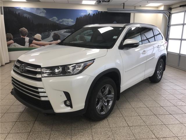 2019 Toyota Highlander Limited (Stk: 3022) in Cochrane - Image 1 of 19