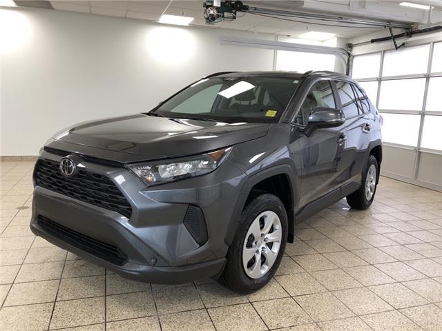 2020 Toyota RAV4 LE (Stk: 200519) in Cochrane - Image 1 of 30