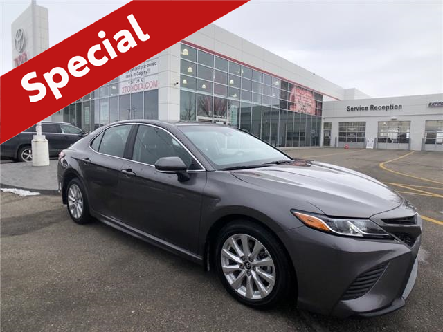 2019 Toyota Camry SE (Stk: 9262A) in Calgary - Image 1 of 18