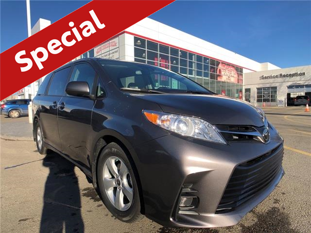2020 Toyota Sienna LE 8-Passenger (Stk: 201020) in Calgary - Image 1 of 16