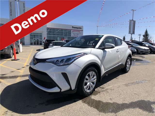 2020 Toyota C-HR LE (Stk: 200626) in Calgary - Image 1 of 26
