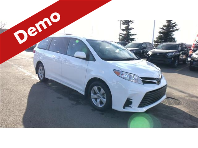 2020 Toyota Sienna LE 8-Passenger (Stk: 200838) in Calgary - Image 1 of 25