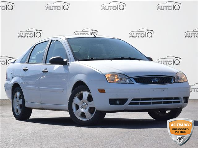 2007 Ford Focus SES White