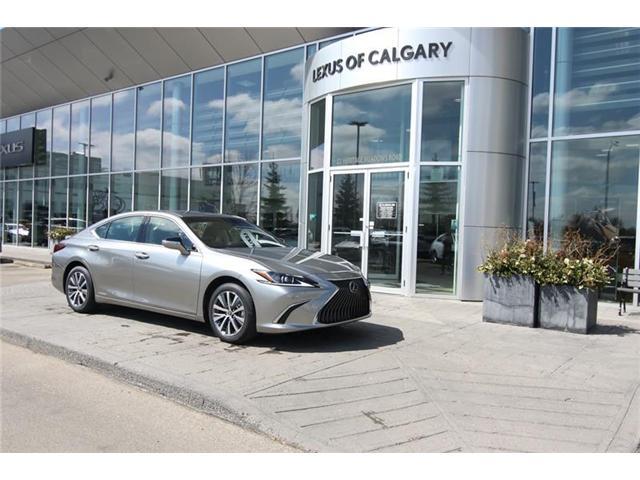 2019 Lexus ES 300h Base (Stk: 190475) in Calgary - Image 1 of 14