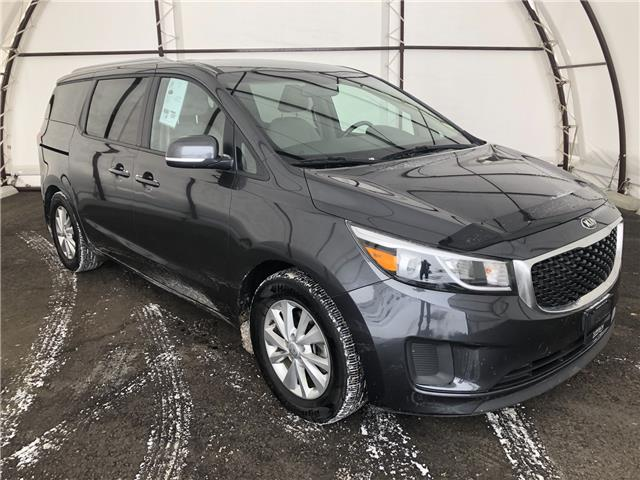 2017 Kia Sedona LX (Stk: 16445AZ) in Thunder Bay - Image 1 of 16