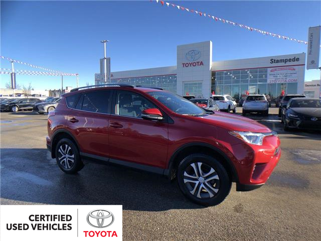 2017 Toyota RAV4 LE (Stk: 8999A) in Calgary - Image 1 of 26