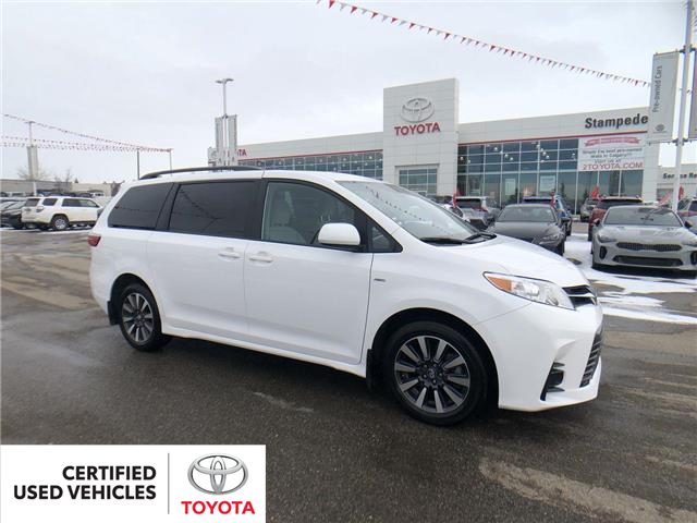 2019 Toyota Sienna LE 7-Passenger (Stk: 9008A) in Calgary - Image 1 of 27