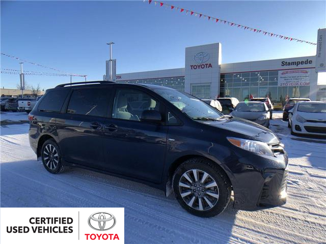 2019 Toyota Sienna LE 7-Passenger (Stk: 9030A) in Calgary - Image 1 of 27