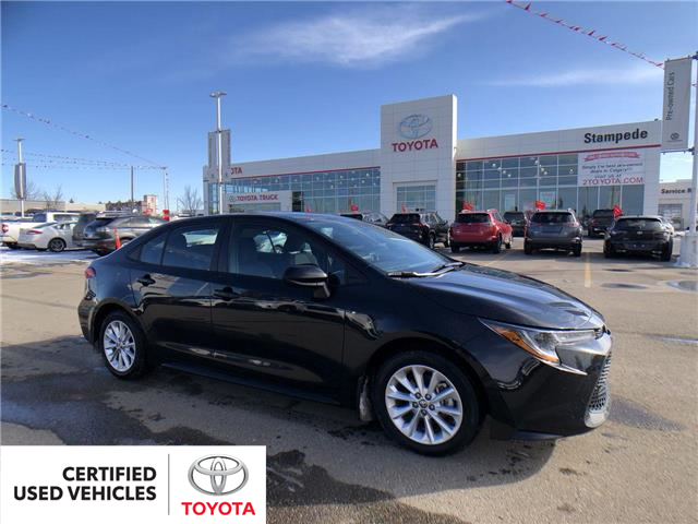 2020 Toyota Corolla LE (Stk: 9045A) in Calgary - Image 1 of 27
