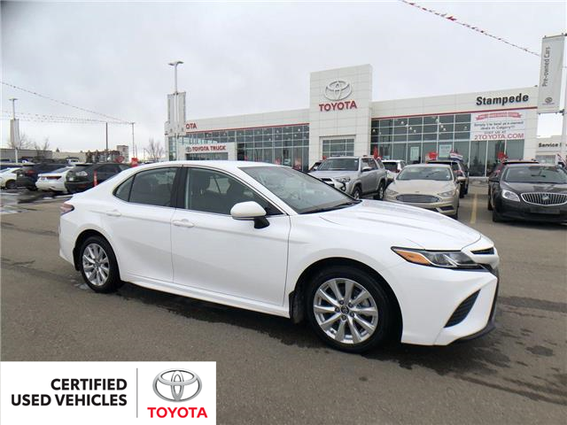 2019 Toyota Camry SE (Stk: 9047A) in Calgary - Image 1 of 26