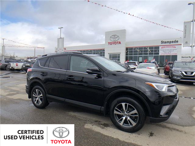 2018 Toyota RAV4 LE (Stk: 9040A) in Calgary - Image 1 of 26