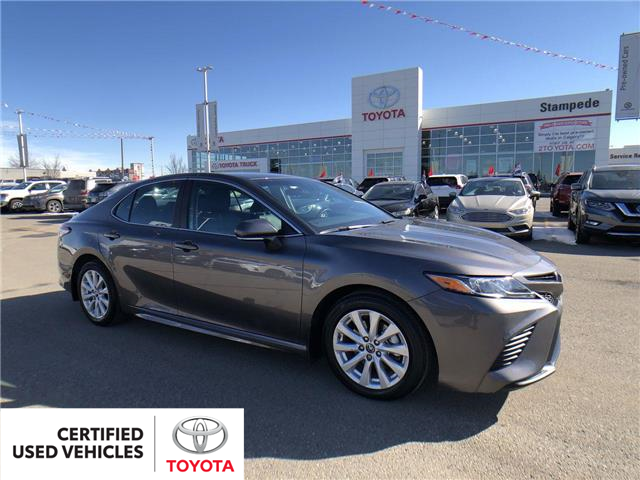 2019 Toyota Camry SE (Stk: 9048A) in Calgary - Image 1 of 26