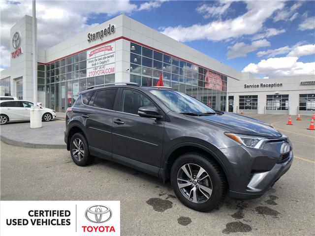 2018 Toyota RAV4 LE (Stk: 9033A) in Calgary - Image 1 of 26