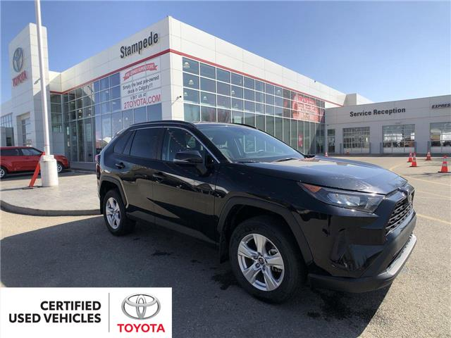 2019 Toyota RAV4 LE (Stk: 9073A) in Calgary - Image 1 of 26