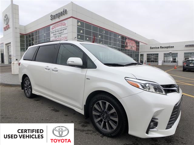 2018 Toyota Sienna XLE 7-Passenger (Stk: 9226A) in Calgary - Image 1 of 24