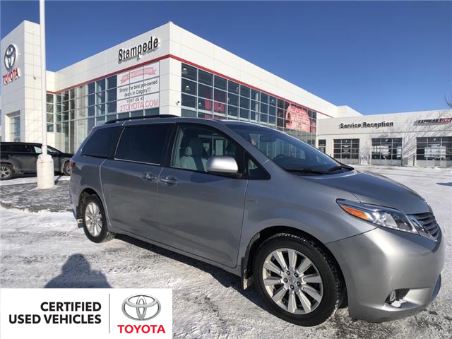 2017 Toyota Sienna XLE 7 Passenger (Stk: 9304A) in Calgary - Image 1 of 22