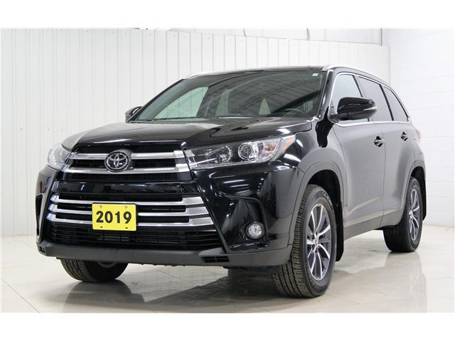 2019 Toyota Highlander XLE (Stk: P6376) in Sault Ste. Marie - Image 1 of 18