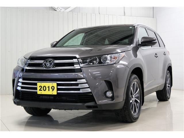 2019 Toyota Highlander XLE (Stk: H21030A) in Sault Ste. Marie - Image 1 of 15