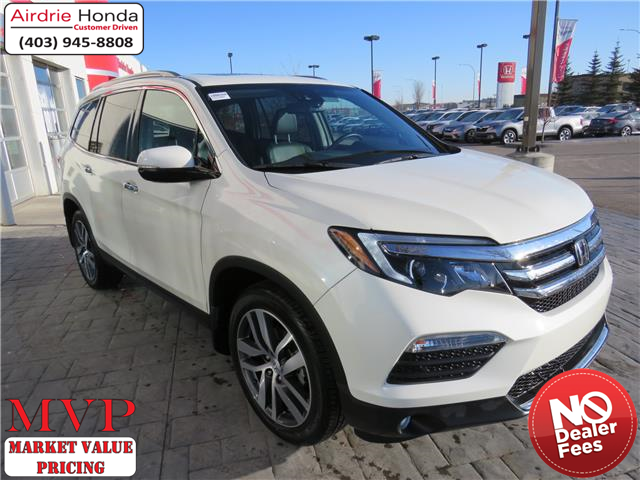 2018 Honda Pilot Touring (Stk: 200098A) in Airdrie - Image 1 of 38