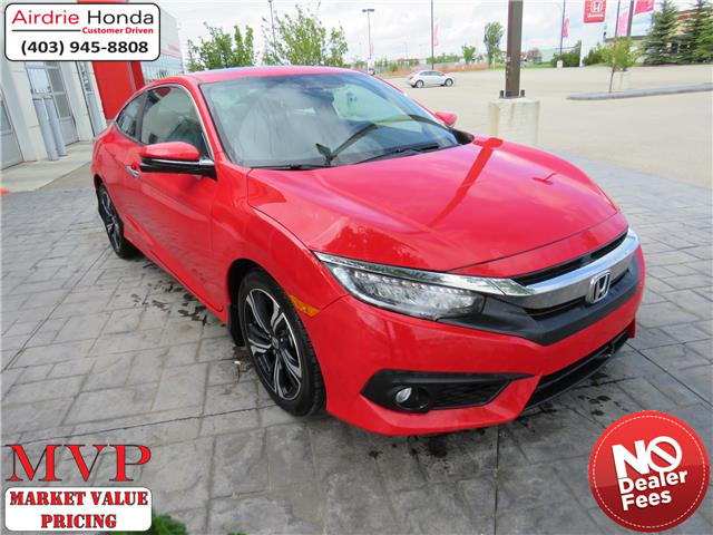 2017 Honda Civic Touring (Stk: 206321A) in Airdrie - Image 1 of 8