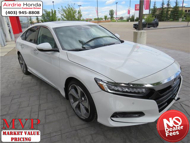 2019 Honda Accord Touring 2.0T (Stk: D190246) in Airdrie - Image 1 of 32