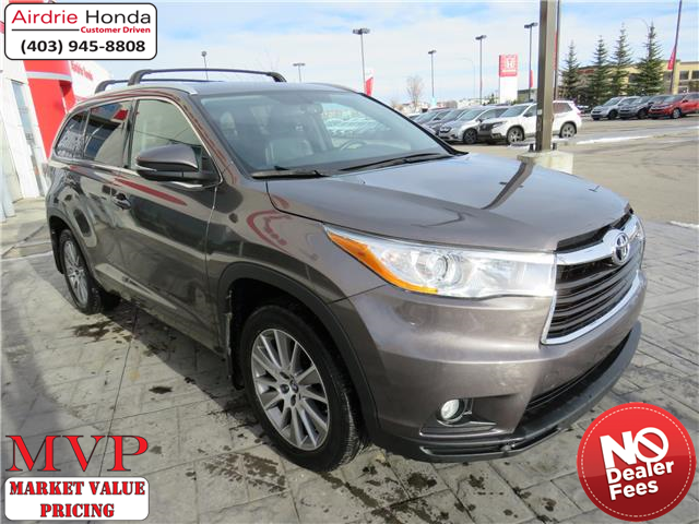 2016 Toyota Highlander XLE (Stk: 200382A) in Airdrie - Image 1 of 42