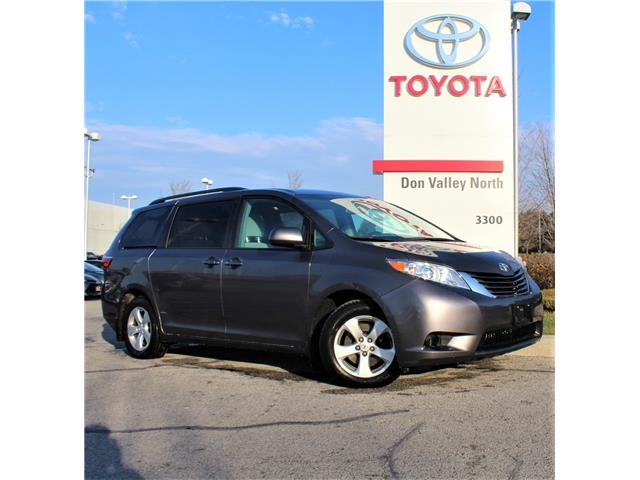 2017 Toyota Sienna LE 8 Passenger (Stk: 302716S) in Markham - Image 1 of 1