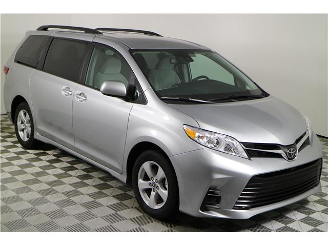 2020 Toyota Sienna LE 8-Passenger (Stk: 102430) in Markham - Image 1 of 24