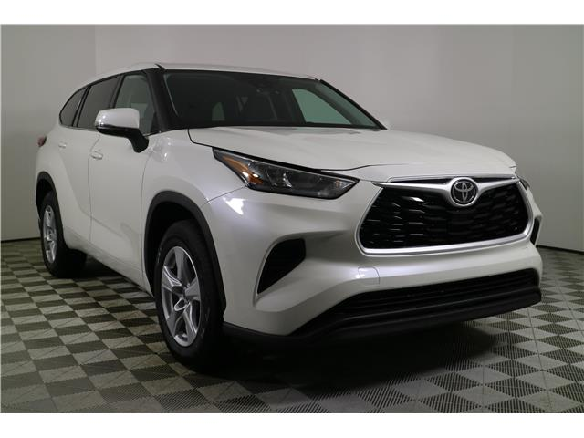2020 Toyota Highlander LE (Stk: 102624) in Markham - Image 1 of 27