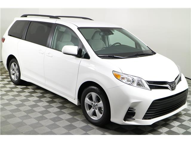 2020 Toyota Sienna LE 8-Passenger (Stk: 102843) in Markham - Image 1 of 24