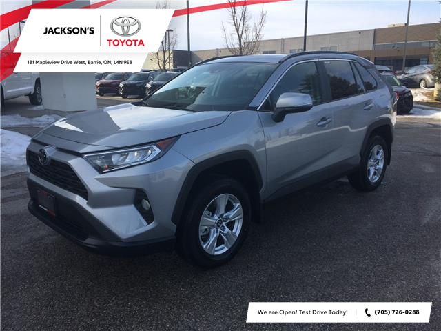 2020 Toyota RAV4 XLE (Stk: 06527A) in Barrie - Image 1 of 14