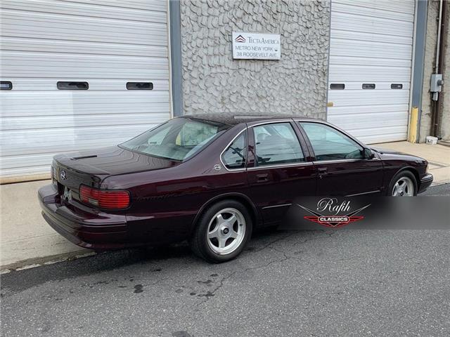 1996 Chevrolet Impala  (Stk: classi) in Windsor - Image 1 of 20