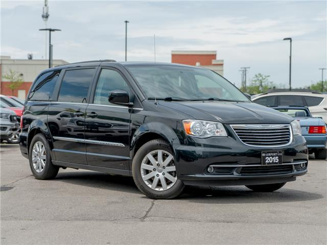 2015 Chrysler Town & Country Touring (Stk: B200135) in Hamilton - Image 1 of 22