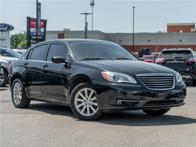 2013 Chrysler 200 Touring (Stk: A90250) in Hamilton - Image 1 of 18