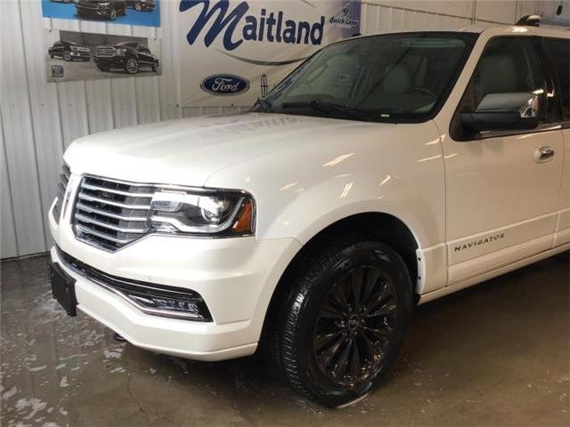 2017 Lincoln Navigator L Select (Stk: 94103) in Sault Ste. Marie - Image 1 of 30