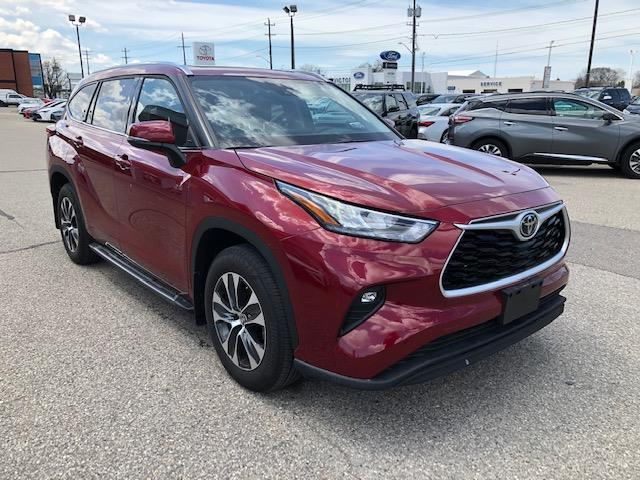 2020 Toyota Highlander XLE (Stk: 42172) in Chatham - Image 1 of 9