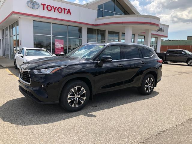 2020 Toyota Highlander XLE (Stk: 42209) in Chatham - Image 1 of 9