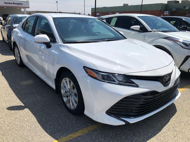 2019 Toyota Camry LE (Stk: 41303) in Chatham - Image 1 of 10