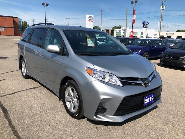 2019 Toyota Sienna LE 8-Passenger (Stk: CP9981) in Chatham - Image 1 of 12