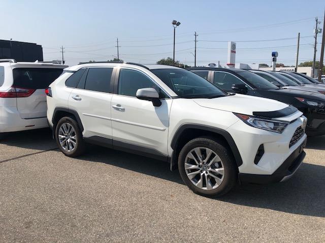 2020 Toyota RAV4 Limited (Stk: 42173) in Chatham - Image 1 of 2