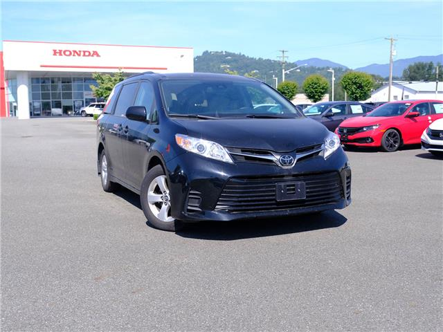 2018 Toyota Sienna LE 8-Passenger (Stk: P2408) in Chilliwack - Image 1 of 24