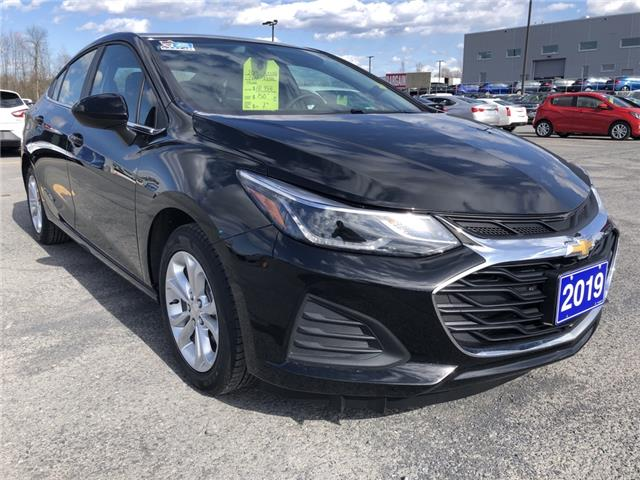 2019 Chevrolet Cruze LT (Stk: B2254) in Cornwall - Image 1 of 16
