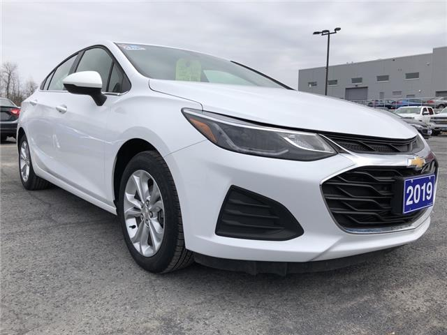 2019 Chevrolet Cruze LT (Stk: B2259) in Cornwall - Image 1 of 18