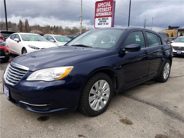 2013 Chrysler 200 LX (Stk: 634317) in Cambridge - Image 1 of 17