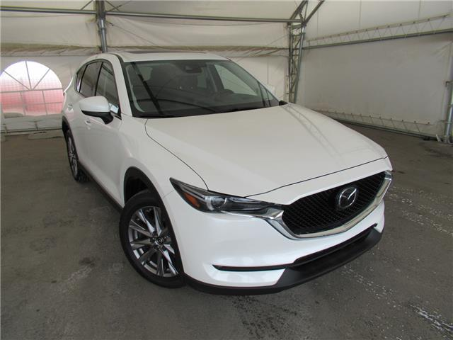 2019 Mazda CX-5 GT w/Turbo (Stk: B554916) in Calgary - Image 1 of 28