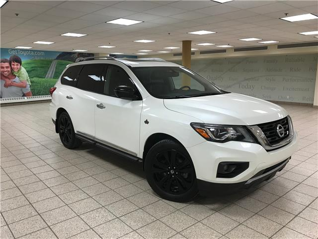 2017 Nissan Pathfinder Platinum (Stk: 200834A) in Calgary - Image 1 of 21